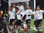 pemain-liverpool-rayakan-gol-ke-gawang-burnley_20180102_021902.jpg