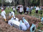 pemakaman-pasien-covid-di-cot-girek.jpg