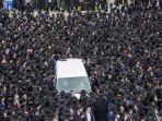 pemakaman-seorang-rabi-yahudi2.jpg