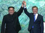 pemimpin-korea-utara-kim-jong-un-kiri-dan-presiden-korea-selatan-moon-jae-in_20180427_202621.jpg