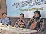 pemimpin-umum-harian-serambi-indonesia-h-sjamsul-kahar-didampingi_20171126_115810.jpg