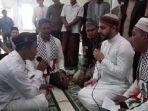 pemuda-nias-masuk-islam-di-aceh-jaya.jpg