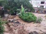 penampakan-saat-pusat-kota-wisata-parapat-kabupaten-simalungun-diterjang-banjir.jpg