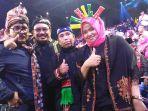 pendukung-nabila-di-studio-5-indosiar_20180425_114850.jpg