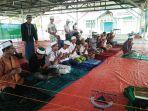 pengungsi-rohingya-berdoa-usai-melaksanakan-shalat_20180527_083321.jpg