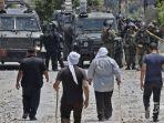 pengunjuk-rasa-palestina-bentrok-dengan-pasukan-israel.jpg