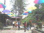 pengunjung-mengisi-libur-lebaran-di-gunung-salak_20180620_091621.jpg