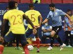 penyerang-uruguay-luis-suarez-dan-pemain-kolombia-wilmar-barrios-di-copa-america-2021.jpg