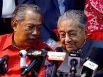 perdana-menteri-malaysia-muhyiddin-yassin-dan-mahathir-mohamad.jpg
