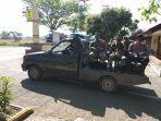 personel-gabungan-tni-polri-melakukan-patroli-demi-mencegah-karhutla-di-aceh-jaya.jpg