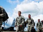 personel-militer-as-dari-pasukan-divisi-lintas-udara-101.jpg