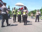 personel-polres-aceh-utara-membawa-jenazah-brigadir-faisal_20180827_101345.jpg