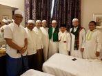 petinggi-pks-dan-rizieq-shihab-bertemu-di-salam-satu-kamar-hotel-di-arab-saudi_20170615_225922.jpg