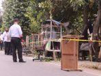 petugas-kepolisian-berada-di-lokasi-ledakan-di-jalan-di-lhong-ii-gampong-lhong-raya.jpg