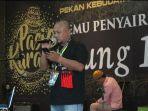 pilo-poly-tampil-dalam-acara-pertemuan-penyair-nusnatara-di-meulaboh-aceh-barat.jpg