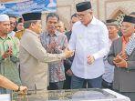 plt-gubernur-aceh-nova-iriansyah-menandatangani-prasasti-peresmian-masjid-agung.jpg