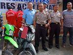 polisi-memperlihatkan-tersangka-pencurian-sepeda-motor-dan-para-penadah.jpg