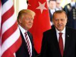 presiden-amerika-serikat-donald-trump-kiri-ketika-bersama-presiden-turki-recep-tayyip-erdogan_20180815_174125.jpg
