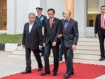 presiden-joko-widodo-berbincang-dengan-gubernur-aceh_20170523_081828.jpg