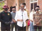 presiden-joko-widodo-meninjau-secara-langsung-program-vaksinasi-covid-19-door-to-door.jpg