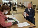 presiden-rusia-vladimir-putin-di-tps-moskow.jpg