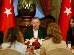 presiden-turki-recep-tayyip-erdogan-bersama-gelandang-arsenal-mesut-oezil.jpg