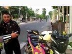 relawan-patwal-ambulan-indonesia-pria-kawal-ambulan-ditilang-polisi.jpg