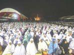 ribuan-warga-mengikuti-acara-zikir-akbar_20180424_103131.jpg