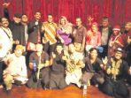 riefky-harsya-kagumi-pertunjukan-teater-ampon-yan_20170912_092814.jpg
