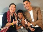 ronaldo-bersama-ibunya-dolores-aveiro.jpg