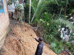 rumah-terancam-ambruk-ke-sungai-di-aceh-barat-_-28-maret-2021.jpg