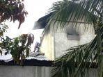 rumah-terbakar-2.jpg