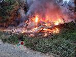 rumah-terbakar-di-aceh-utara-jelang-magrib-16-10-2021.jpg