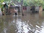 rumah-terendam-banjir-di-abdya-5-juli-2021.jpg