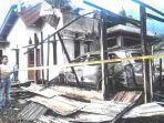rumah-wartawan-serambi-asnawi-luwi-tinggal-puing-setelah-terbakar.jpg