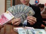 rupiah-dan-dollar-as_20180801_164233.jpg