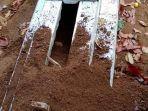 salah-satu-kuburan-yang-dibongkar-orang-tak-dikenal-di-tpu-desa-pakemitan.jpg