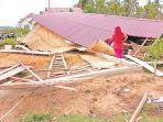 satu-rumah-roboh-akibat-angin-kencang-di-desa-matang-lada.jpg