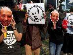 sejumlah-aktivis-melakukan-aksi-mengecam-aksi-kekerasan-terhadap-novel-baswedan_20170421_215837.jpg