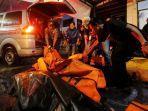 sejumlah-jasad-korban-meninggal-dunia-akibat-gelombang-tsunami-di-banten.jpg