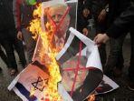 sejumlah-warga-palestina-sudah-menggela-aksi-unjuk-rasa-menentang-rencana-presiden-trump_20171207_173541.jpg