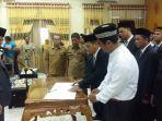 sekda-kabupaten-aceh-tamiang-basyaruddin-saat-memimpin-pelantikan-120-pejabat.jpg