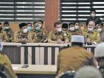 sekretaris-daerah-aceh-dr-taqwallah-mkes-dalam-rapat-koordinasi-bersa.jpg