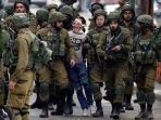 seorang-remaja-yang-tidak-bersalah-menjadi-korban-tindakan-brutal-tentara-israel_20171217_093404.jpg