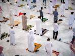 shalat-di-masjid-nabawi-arab-saudi.jpg