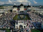 shalat-idul-adha-1442-h-di-masjid-raya-baiturrahman.jpg