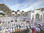shalat-idul-fitri-1438-hijriah_20170629_085219.jpg