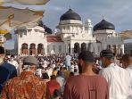 shalat-idul-fitri-1441-h-di-masjid-raya-baiturrahman-banda-aceh.jpg