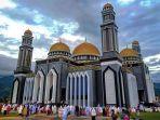 shalat-ied-di-masjid-agung-at-taqwa-kutacane.jpg