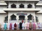 shalat-ied-di-masjid-tetap-ramai-di-nagan-raya.jpg